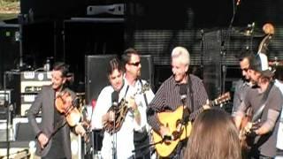 Dierks Bentley & Del McCoury - Roll On Buddy, Roll On