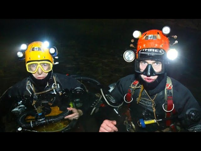 Meet the British A team who were the first to reach the boys trapped in the Thai cave