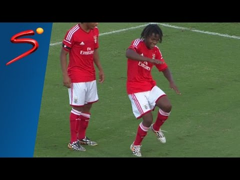 ARCHIVES - Renato Sanches goal and celebration against Boca Juniors