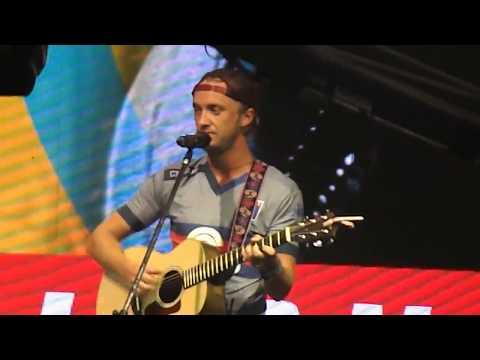 Tom Felton singing live // Argentina Comic Con, 9/12/2017