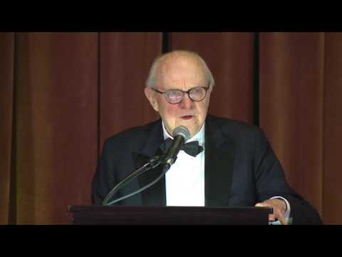 Dr. Richard M. Hunt receives Lifetime Achievement Award from ACG