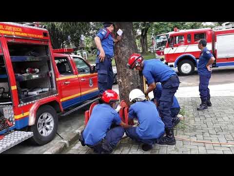 Proses Penyelamatan Traffic Accident - Jakarta Fire and Rescue