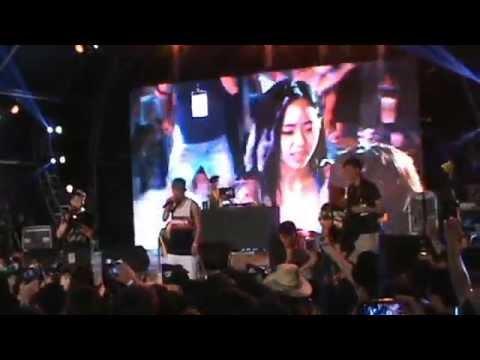 2015墾丁春吶泡泡趴Foam party Kenting Taiwan 比基尼摔角大賽 - YouTube