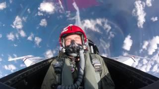 Ryan Hunter-Reay flies with the USAF Thunderbirds