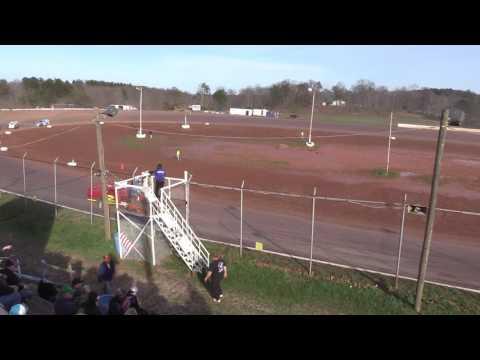 Skyline Speedway Mod Heat Race 4- 2- 17