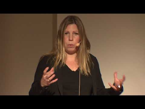 Aiding Science and Fighting Global Inequalities.  | Veronica Brodén Gyberg | TEDxNorrköping