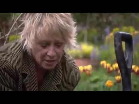 Life in a Cottage Garden - Spring into Summer (2011)