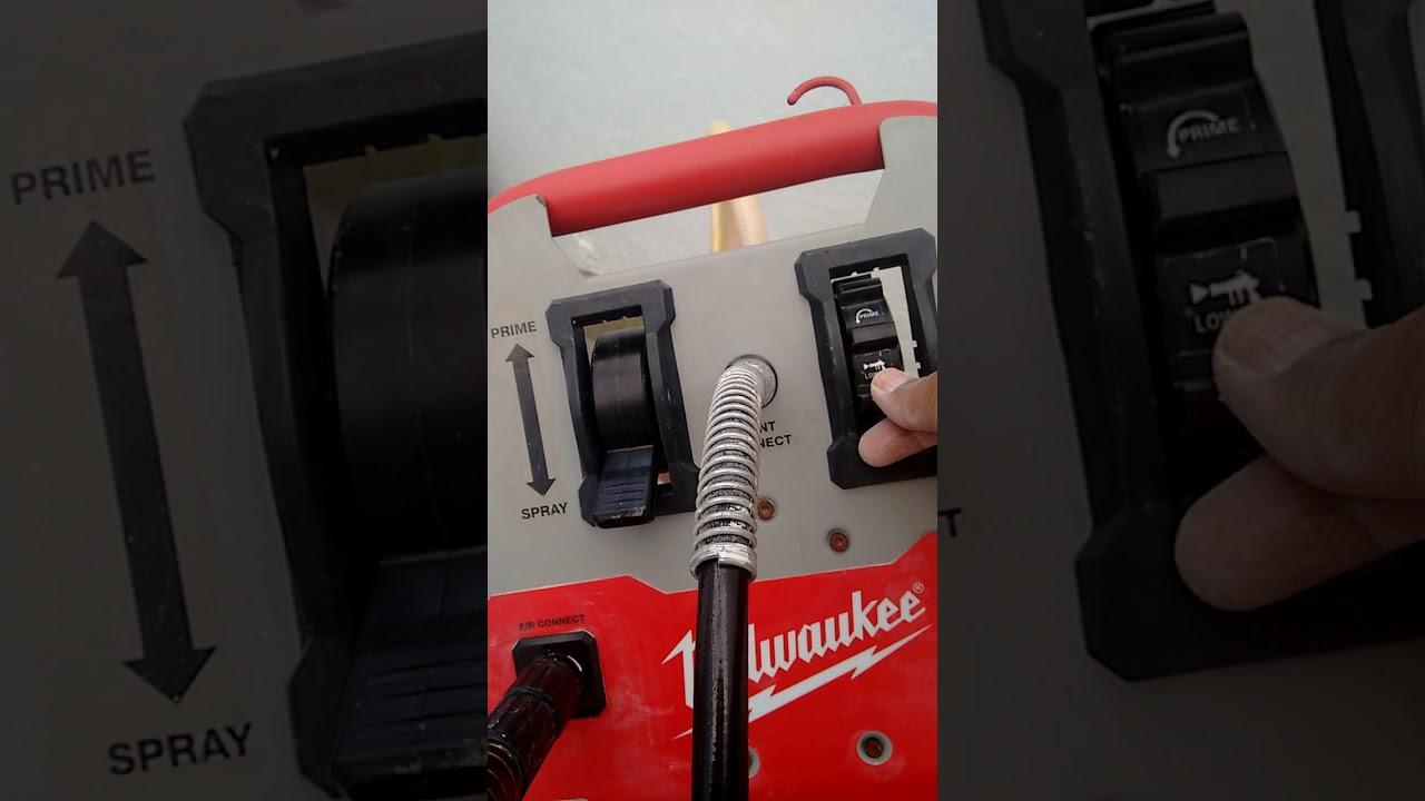 Airless Milwaukee Finish Paint Sprayer M4910 20 Youtube