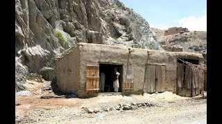 Gambar cover MTV Cribs: Afghanistan Edition (official video)
