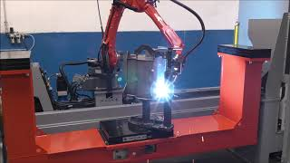 Robotic welding of hydraulic tanks