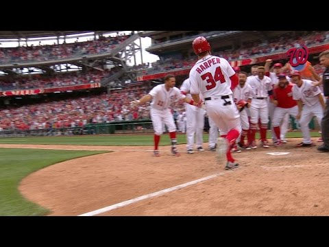 PHI@WSH: Harper crushes a walk-off three-run home run