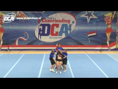 28 12 14 Maastricht University Cheerleading Glitter Gladiators Senior Coed Group stunt
