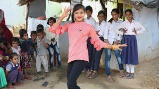 Mat chale gajab ki chaal | A beautiful girl dance between villagers || Satyam thakur||