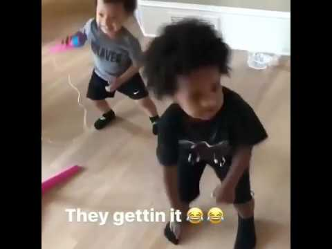 Futures Son dancing to #MaskOff 😷