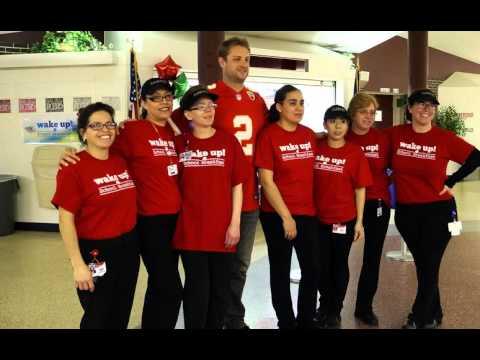 Chiefs punter Dustin Colquitt visits Santa Fe Trail Middle School