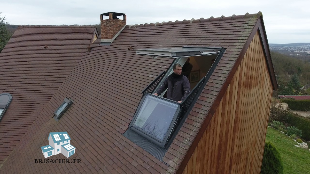 Fenetre de toit velux cabrio gdl verri re balcon youtube for Fenetre des makes