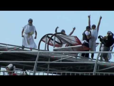 RED BULL FLUGTAG MARSEILLE SIG FLY CRASH 2