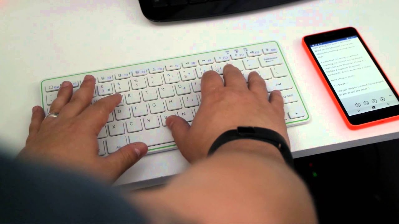 a0ffdae3c94 Using a Bluetooth keyboard with Windows Phone 8.1 Update 2 - YouTube