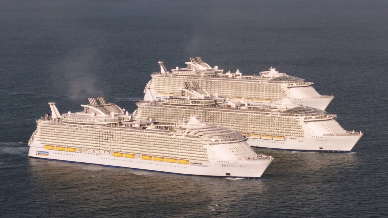 World S Three Biggest Cruise Ships Meet At Sea Doovi