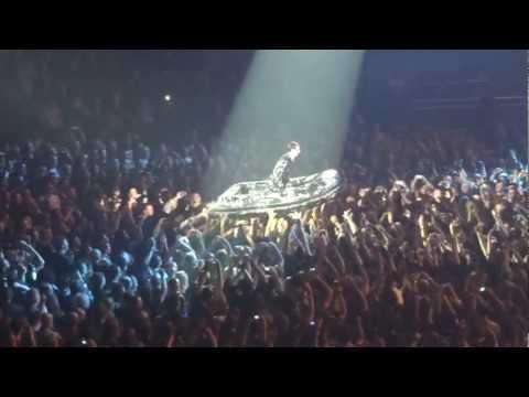 """Rammstein - Lonndon 2012 - Heifisch """"Flake"""" Sailing :)"""