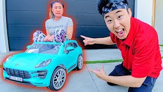 Shrinking Lizzy Sharer's Car!