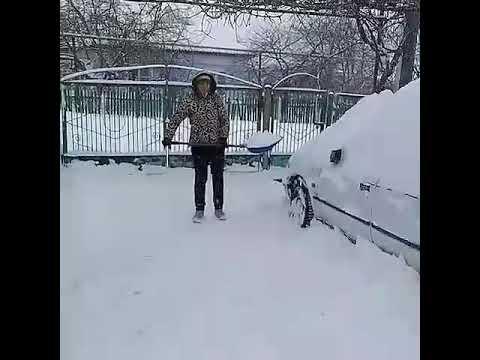 Убираем снег