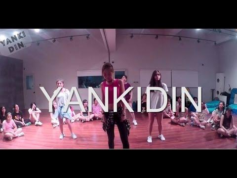 HyunA (현아) - 어때 HOW'S THIS | YANKIDIN