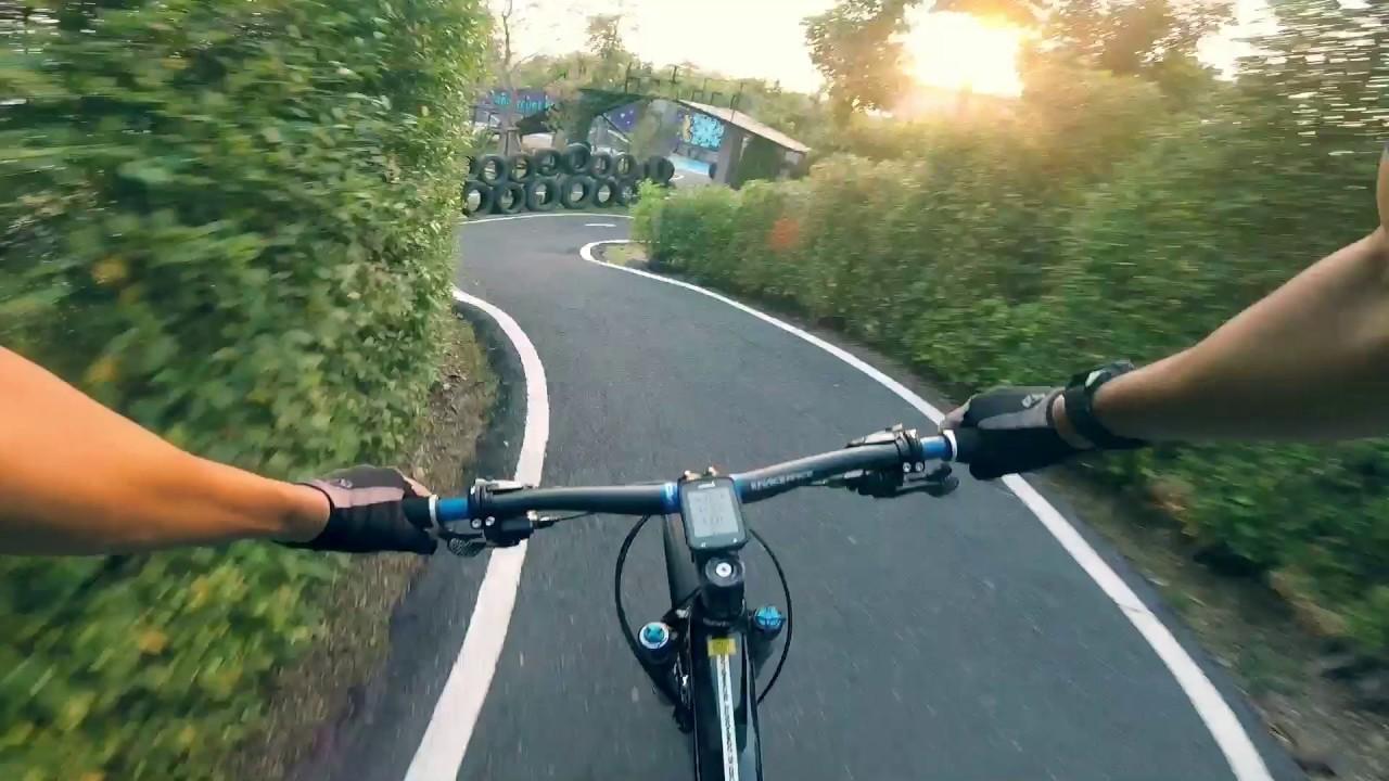 Giant XTC advanced SL 27.5 at Peppermint bike park - YouTube 3bec5a085