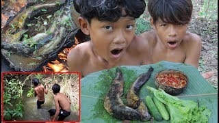 Primitive Technology - Awesome Cooking & Find Fish By Spear - Eating Delicious