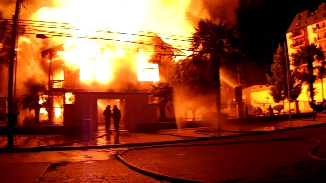 Incendio de Casa Furniel en Ro Bueno  YouTube