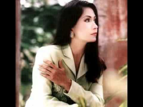 Ana Gabriel   Es el amor que llega