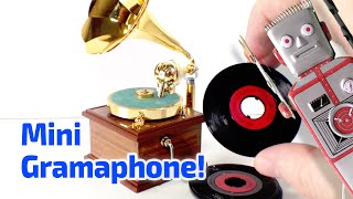 1983 Old-fashioned Victrola Working Miniature by Poynter Products