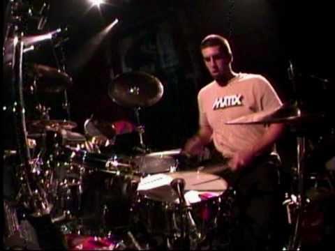 Linkin Park - 01 - Don't Stay (Projekt Revolution Camden 2004)