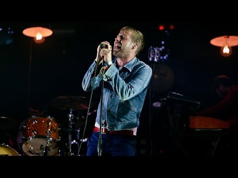 Kaiser Chiefs - I Predict A Riot at Glastonbury 2014