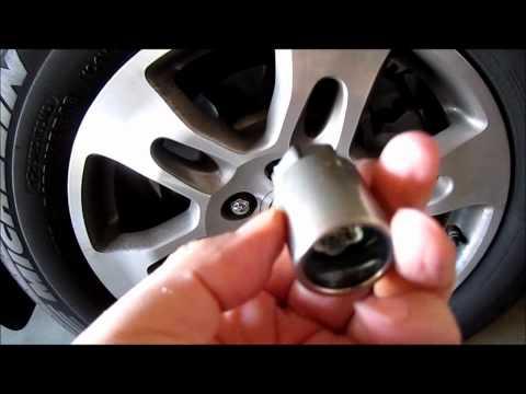 Acura OEM wheel locks Demo
