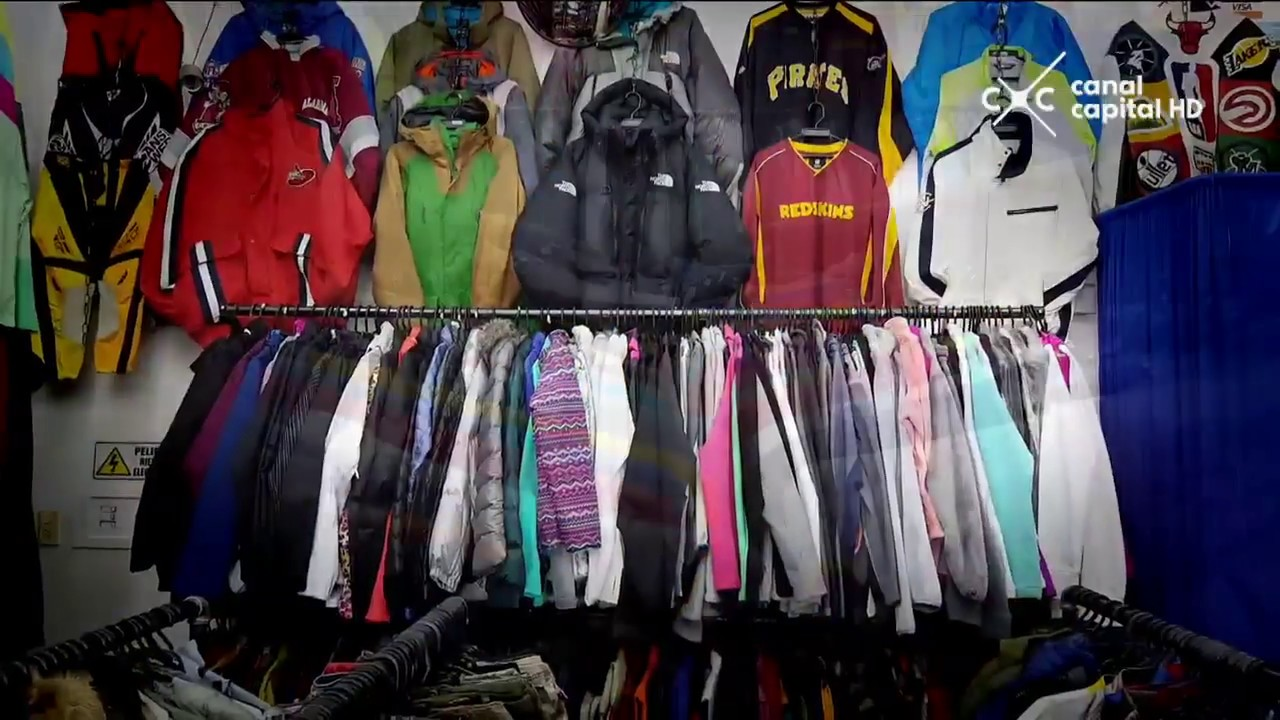 Rolísimos - El rey de la ropa usada - YouTube 98ad2790175
