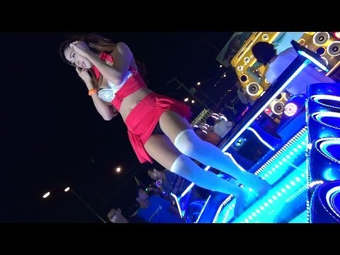 Laem Chabang Car Audio Show with Coyote Dancers 2014 File 11