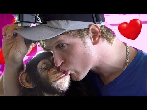 KISSING CONTEST WITH A MONKEY!!!