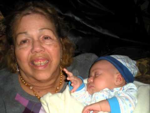 Best Mothers Day song ever! La Cumbia de Abuelita