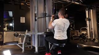 Underhand Close Grip Cable Lat Pull Down
