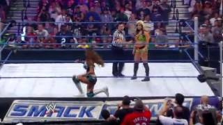 Eve Torres vs Kaitlyn WWE Friday Night SmackDown 17.08.2012