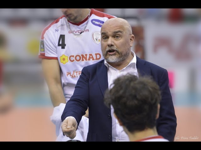 Intervista post partita al coach Mastrangelo