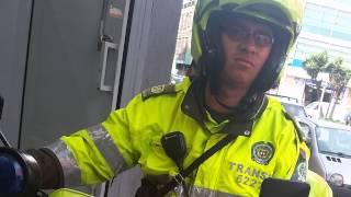policia hace comparendos ilegales y con engaos