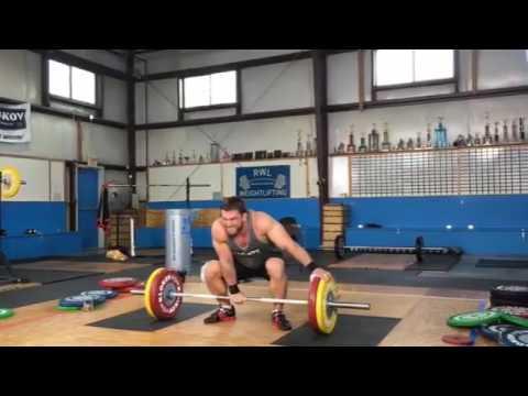 Dmitry Klokov one arm 220 lbs) (100 kg) snatch :o