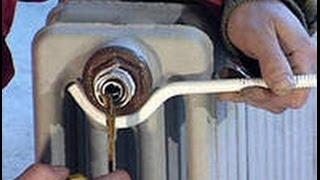 Монтаж радиатора отопления под окном своими руками. Обучение.(Все батареи или радиаторы со временем изнашиваются и требуют замены. Монтаж батарей отопления требуется..., 2013-11-25T19:09:55.000Z)