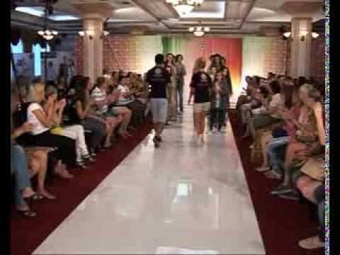 Фильм о показе коллекции одежды сезона весналето компании f