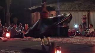 Мужик танцует в юбке! man dancing