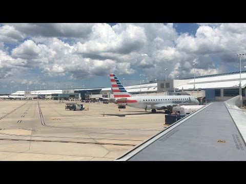 Flying - Take Off from Jacksonville Airport (Florida, U.S.A) on American Airlines