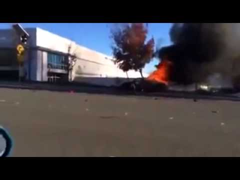 paul walker meurt accident de voiture video de paul accident de voiture porsche youtube. Black Bedroom Furniture Sets. Home Design Ideas