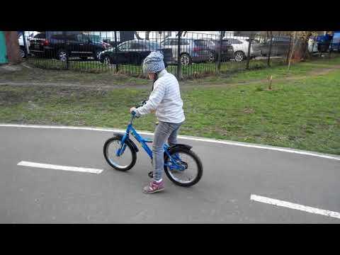 Маша и велосипед